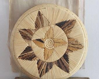 Vintage decorative woven basket/tray