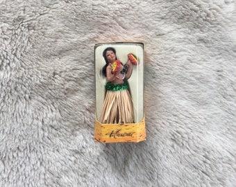1 9 8 0 s / Hawaiian Hula Dashboard Doll