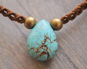 Turquoise Macrame Pendant / Adjustable Macrame Necklace / Macramedamare