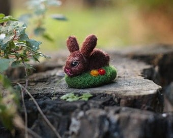 Bunny Miniature, Easter Bunny, Needle Felted Bunny, Easter Decor, Brown Bunny, Felt Ornament, Easter Gift, Cute Bunny, Felt Rabbit, Wool