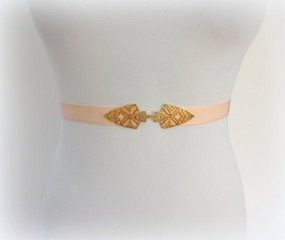 Light peach elastic waist belt. Gold jeweled belt. Pastel peach belt. Stretch belt. Dress belt. Skinny belt. Bridal belt. Bridesmaids belt.