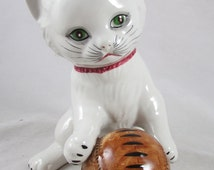 Kitten Cat Figurine with Ball Made in Italy Retro Vintage