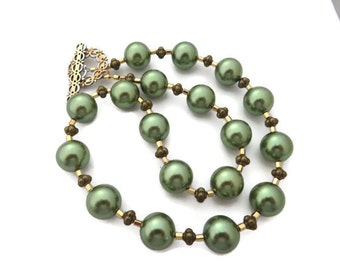 Chunky Green Necklace, Green Pearl Necklace, Glass Pearl Necklace, Big Green Necklace, Large Green Bead Necklace, Olive Green and Gold