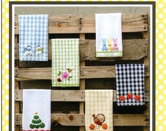 """Pattern """"Holiday Fun"""" Yo-Yo Accents by Marcia Layton Designs"""