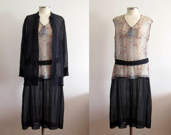 1920s Dress / 20s Silk Dress 2 PC / SM / American Indian Feather Novelty Print