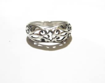 Vintage Sterling Silver Filigree Ring