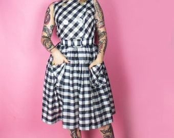 1950s Dress / 50s New Look Dress / 1950s Gingham Checkered Plaid Day Dress
