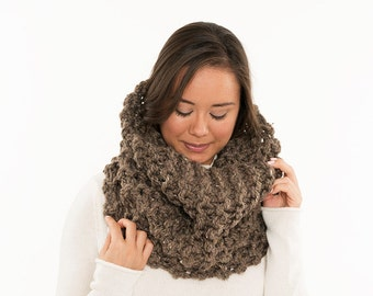 Chunky Knit Infinity Scarf, Wool Knitted Hood / Cowl, Extra Large Neck Warmer, Women's Warm, Soft, Cozy, Winter Accessory, Handmade