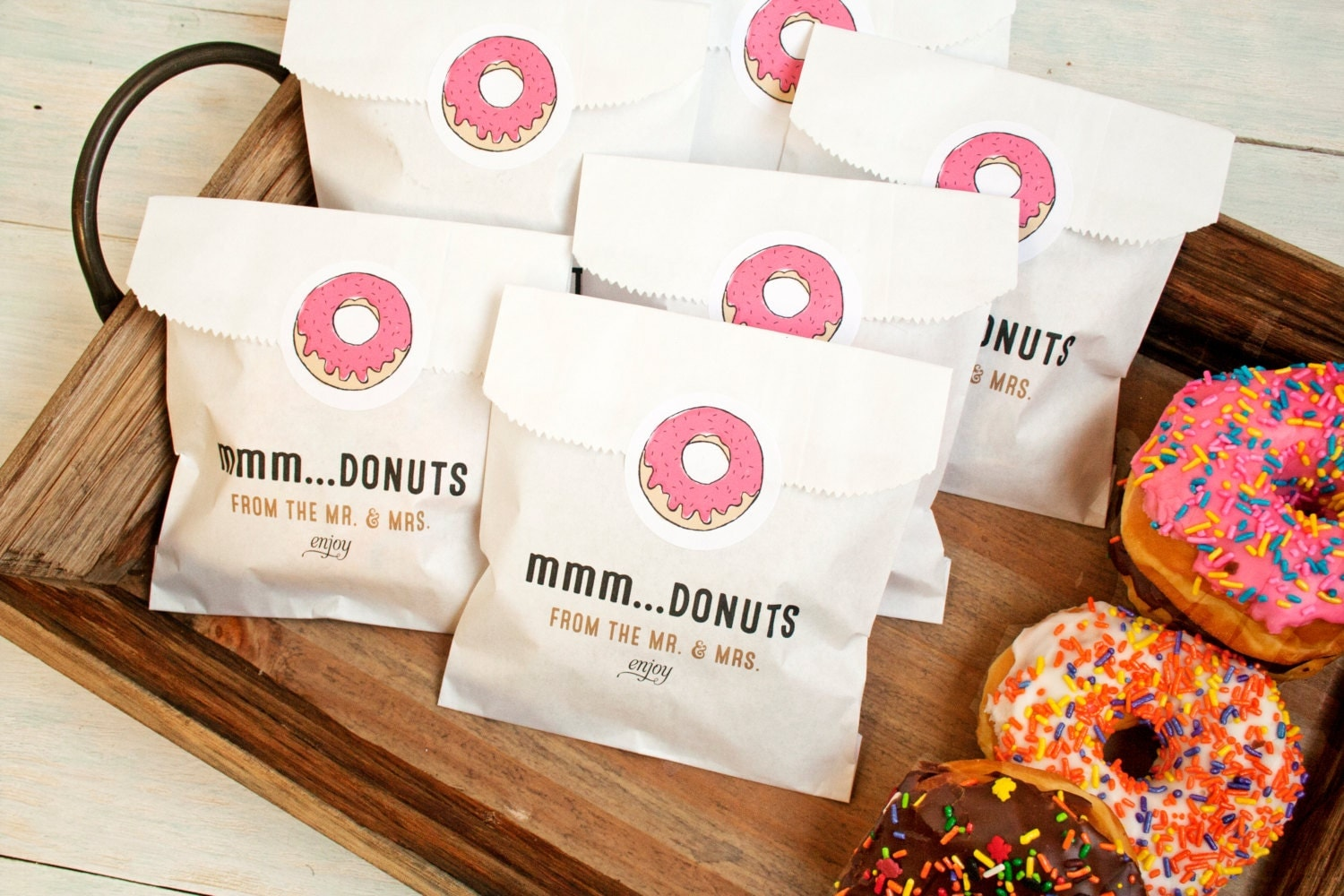 Donut Wedding Favor Boxes: Wedding favors your guests will be ...