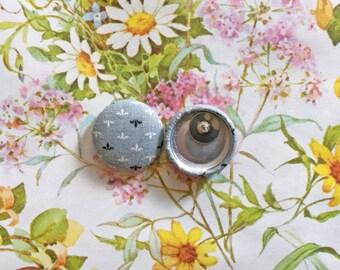 Fabric Button Earrings / Wholesale Jewelry / Gray / Fleur de Lis / Gifts for Women / Vintage Print / Stud Earrings