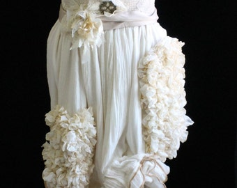 Victorian Long Bustle Skirt (Shabby Cottage Muslin Garden in Organic Natural) Waist Size 30 Inches