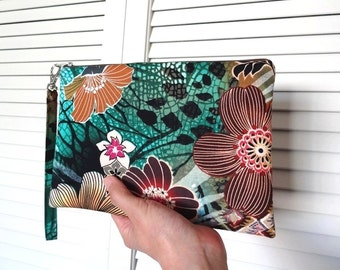 iPad mini Zipper Wristlet, Zipper Pouch, Bridesmaid Gift, Wristlet Clutch, Cosmetic Bag, Makeup Bag - Floral, Flower, Green, Brown, Red