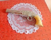 Vintage Avon after shave cologne pistol bottle