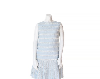 1960s Shift Dress • 60s Day Dress • Ruffles and Lace • Small S