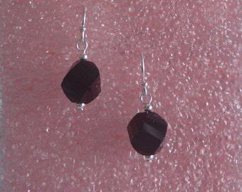 Black helix shaped little drop earrings - 10mm bead earrings - black agate helix earrings - agate and sterling silver earrings