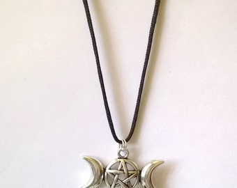 Very Nice Triple Moon Pendant and Agate Necklace