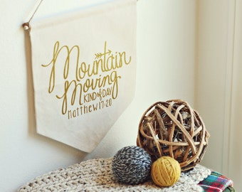 Mountain Moving Banner