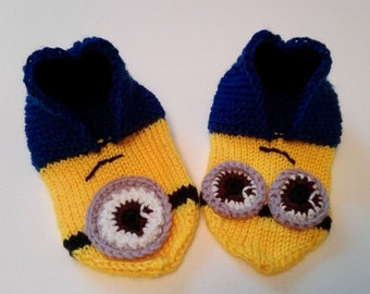Hand-knitted minions slippers for kids size 28-31