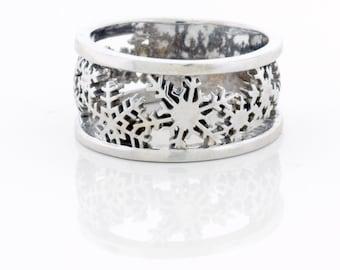 Snowflake Wedding Ring, Gold and Diamond Wedding Band, Diamond Snowflake Jewelry