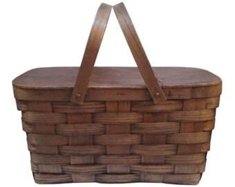 Vintage Picnic Basket in Woven Oak
