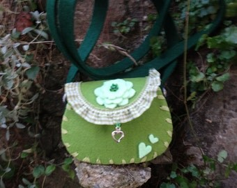 This little bag is decorated in two colours, Pine Green and bright green.
