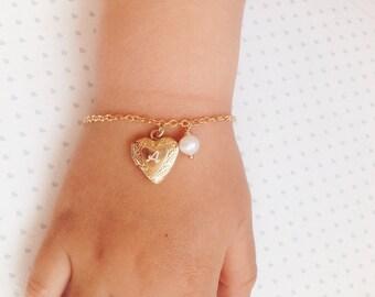 Heart Locket Bracelet / Flower Girl Bracelet / Gift for Niece / Girls Gold Heart Bracelet / Baby Girl Bracelet Gift for Niece