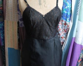 Black lace and tafetta slip REF 421