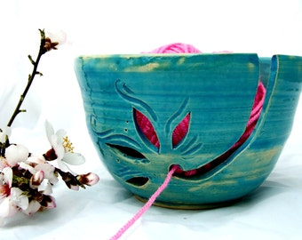 Yarn Bowl, Ceramic yarn bowl, turquoise yarn bowl, Handmade Yarn Keeper, pottery Yarn Bowl, Yarn Holder