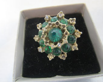 emerald rhinestone broach, emerald green pin, emerald costume jewelry, emerald pin, vintage green pin, vintage broach