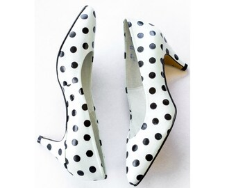 1980s white and black polka dot heels SIZE 8 1/2