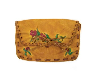 Vintage clutch wallet. Change purse wallet. 70s tooled leather. Flower painted wallet. Boho hippie wallet clutch.