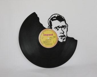 scrolling on vinyl