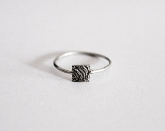 Minimal ring with textured detail, 925 silver ring, sterling silver ring, little silver ring.