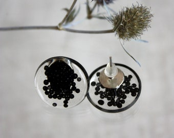 Pusety earrings with black beads. Earrings cloves. Earring studs. Round pins resin. Black beads pusety epoxy resin