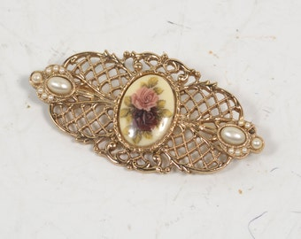Lovely Vintage Filigree Gold Tone Pearl and Flower Adorned Costume Brooch