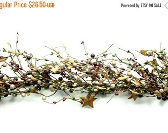 ON SALE Free Shipping- Pip Berry Garland with Rusty Stars -Mixed Berry Garland-Primitive Garland--Primitive Decor--Rustic Decor