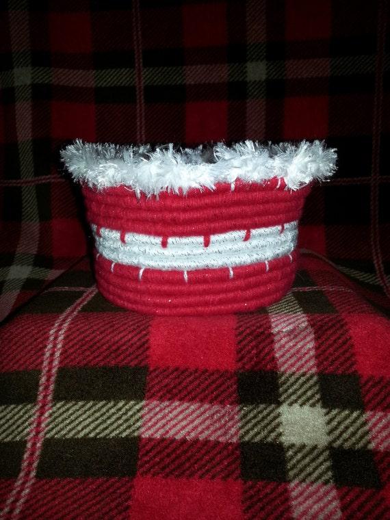 Medium Christmas Handwoven Coil Basket/Bowl, w/ fuzzy rim