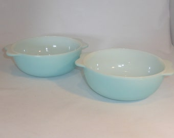 Pair of JAJ Pyrex bowls in a light turquoise colour - original from the 1960s