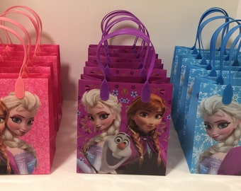 Frozen personalized party bags! 12