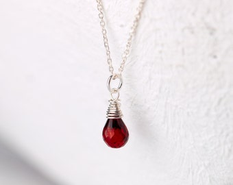 Delicate 925 silver necklace with a blood red garnet, sterling silver necklace, garnet drop, garnet necklace, delicate necklace