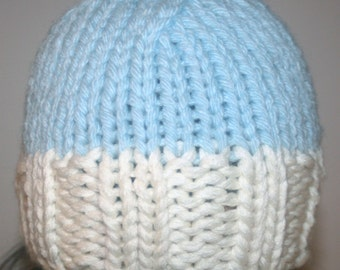 Bonnet meshed in wool, two-tone white / sky blue, any soft, hand