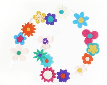 Fun & easy DIY kit - Floral garland - Nursery room - Flower decor - Baby room -Felt flower- Make your own flower garland