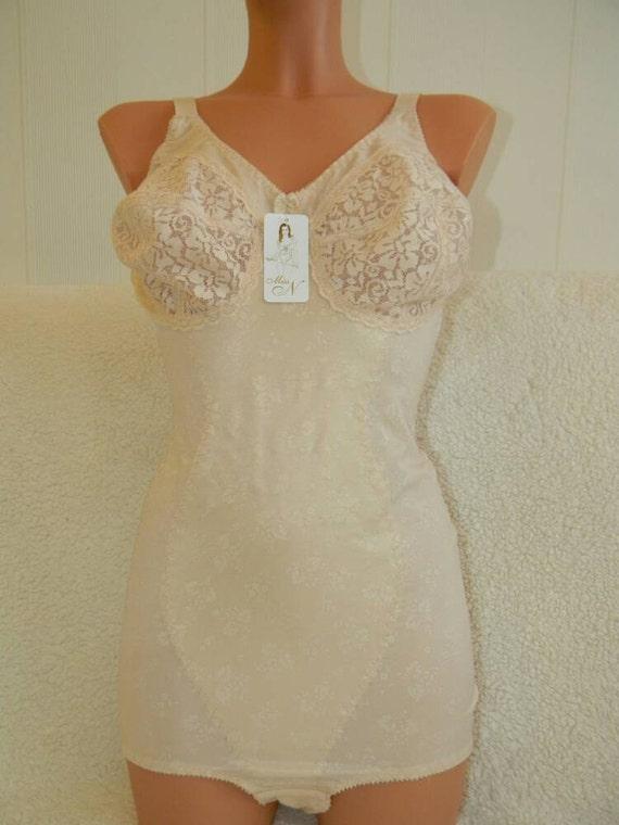 Bridal wedding corset lingerie plus size corset vintage for Wedding dress corset bra