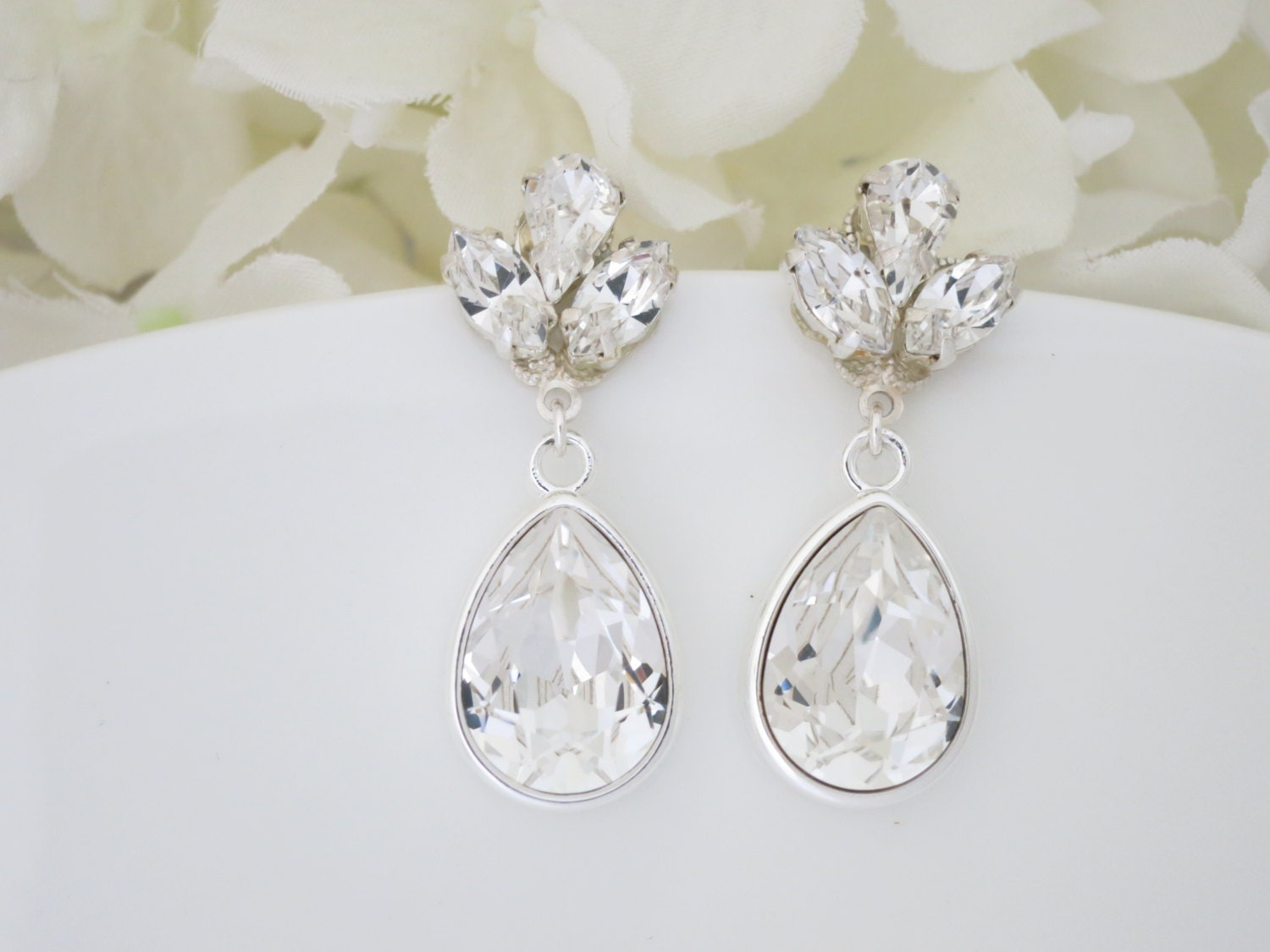 Swarovski teardrop wedding earring, Vintage style bridal earring, Crystal teardrop earring