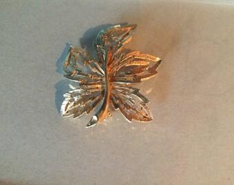 Sarah Coventry Vintage Leaf Brooch