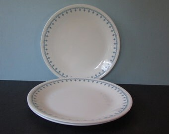 "Corelle Blue Snowflake Dinner Plates, set of 3/ 1970's Livingware by Corning Blue Snowflake Garland Supper plate. Made in USA/ 10.25"" Diam"