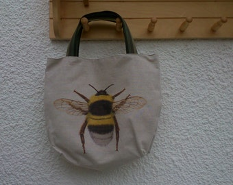 Large Bumble Bee Tote bag
