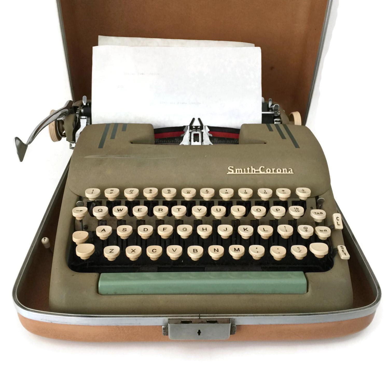 machine crire vintage smith corona machine crire. Black Bedroom Furniture Sets. Home Design Ideas