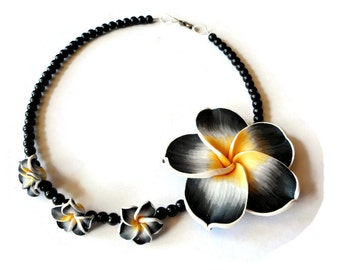Black beaded choker, Flower choker, Floral necklace, Glass bead necklace, Bead choker necklace, Flower jewelry