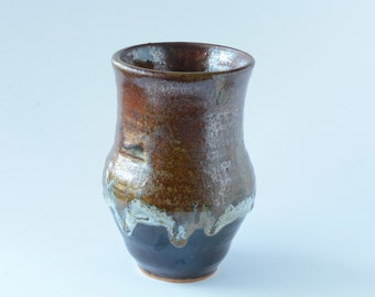Vase with a multitude of colors